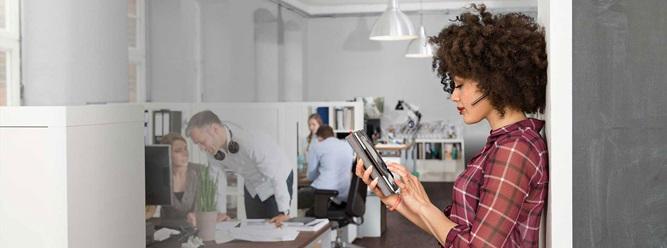 Business Headsets, Wireless Headsets, kabellose Sprechgarnituren, kabelgebundene Kopfhörer zum Telefonieren, Bluetooth Headset, Office Headsets